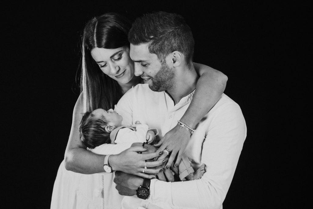 Ben Lévy shooting photo naissance bébé - première photo de famille