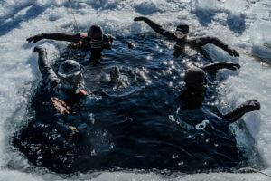 Séminaire Aylo Voyages -plongée sous glace - Ben Lévy photographe